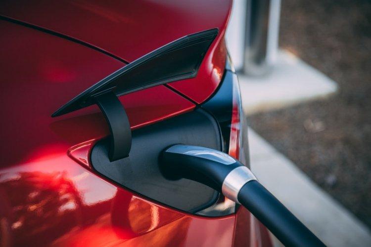 Hurra, die E-Auto-Prämie wird bis 2025 verlängert!