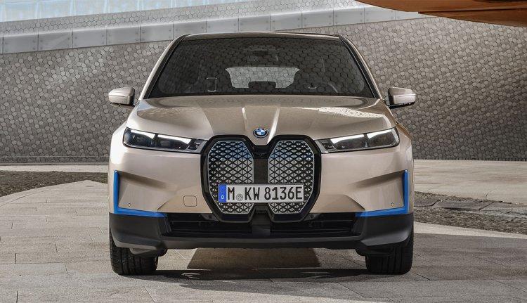 BMW iX – Freude am Fahren unter Hochspannung