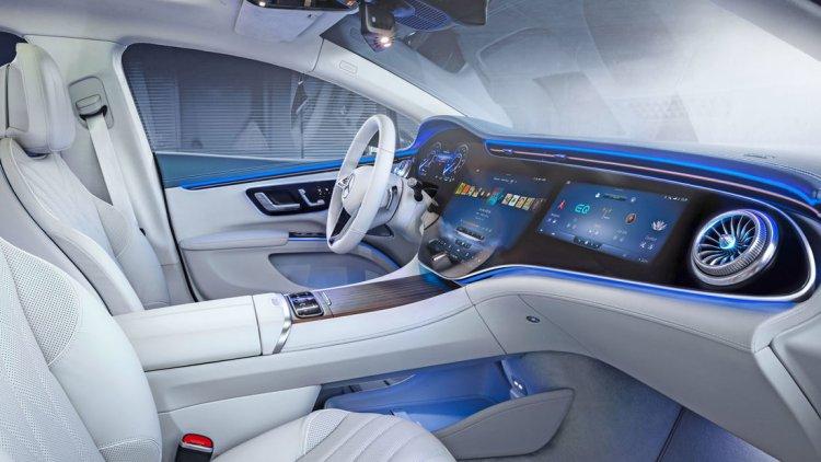 Der kommende Mercedes EQS bietet ein edles Interieur mit Anleihen bei der S-Klasse und dem EQC
