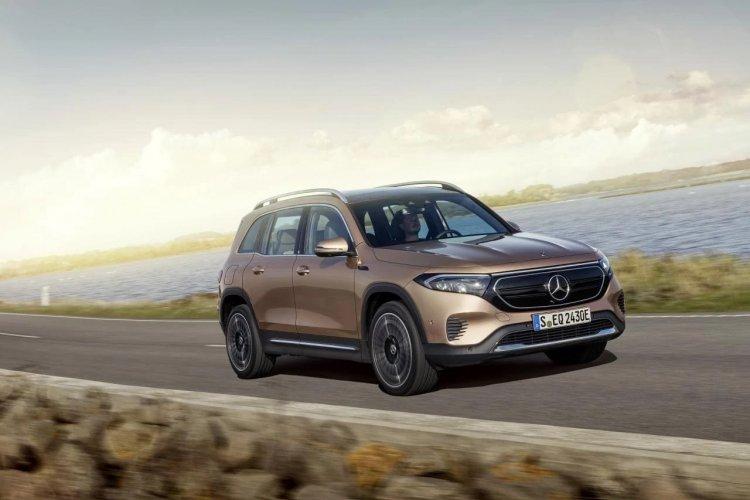 Mercedes startet Ende 2021 mit dem neuen Kompakt-SUV EQB in Europa