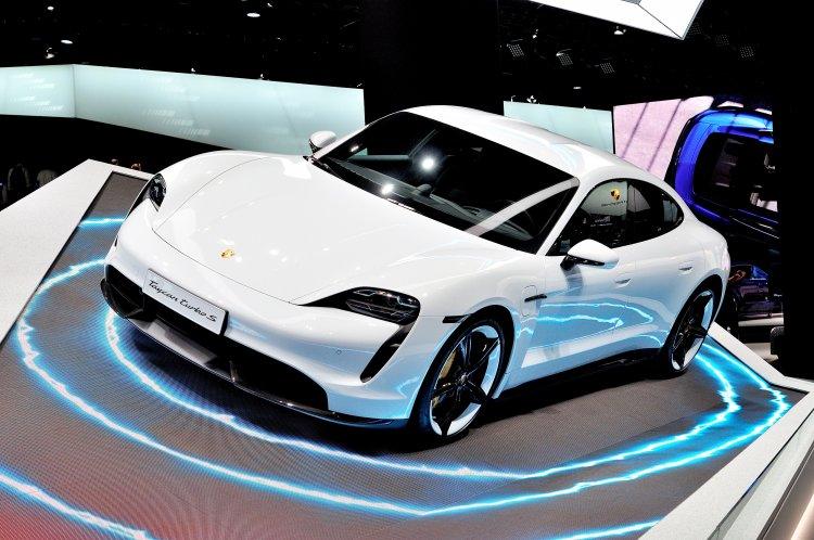 Deutsche Hersteller verkaufen jedes sechste E-Auto