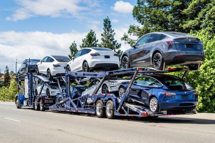 Bald rollen die ersten Tesla Model Y zu den Kunden in Deutschland