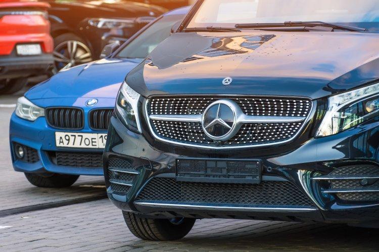 Spürbarer Anstieg bei den Absatzzahlen für Mercedes-Benz und BMW in Sachen Elektroautos